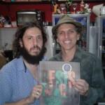Com Eduardo Lacerda, da Editora Patuá, no lançamento do Jornal de Poesia Casulo 11